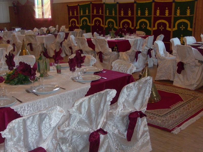 Pin chignon kabyle picture on pinterest - Dressage de table ...
