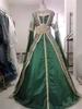 Negafa Mille et une robe